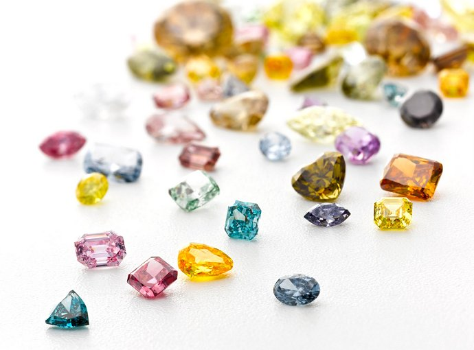 Choosing Coloured Diamonds for an Engagement Ring