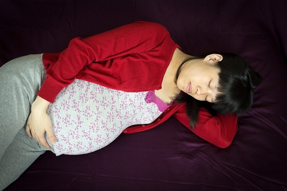 10 Tips To Sleep Peacefully During Pregnancy